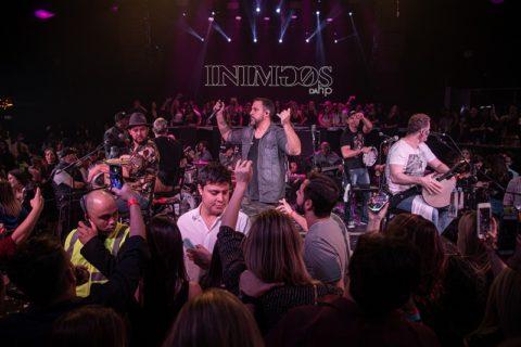 Inimigos da HP e Sunga de pano sobem ao palco da Rust Music Bar para lançar O Último Samba do Ano