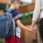 Não é necessário levar seu filho a um médico. Como você pode descobrir  o que seu filho está fazendo?