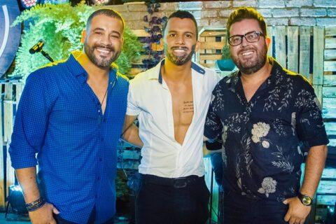 """Bruno César & Luciano lançam """"Cópia Falsificada"""" nesta sexta com a participação de sósia de Gusttavo Lima"""
